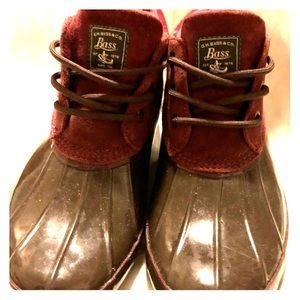 Burgundy BASS rain boots, suede trim, size 9